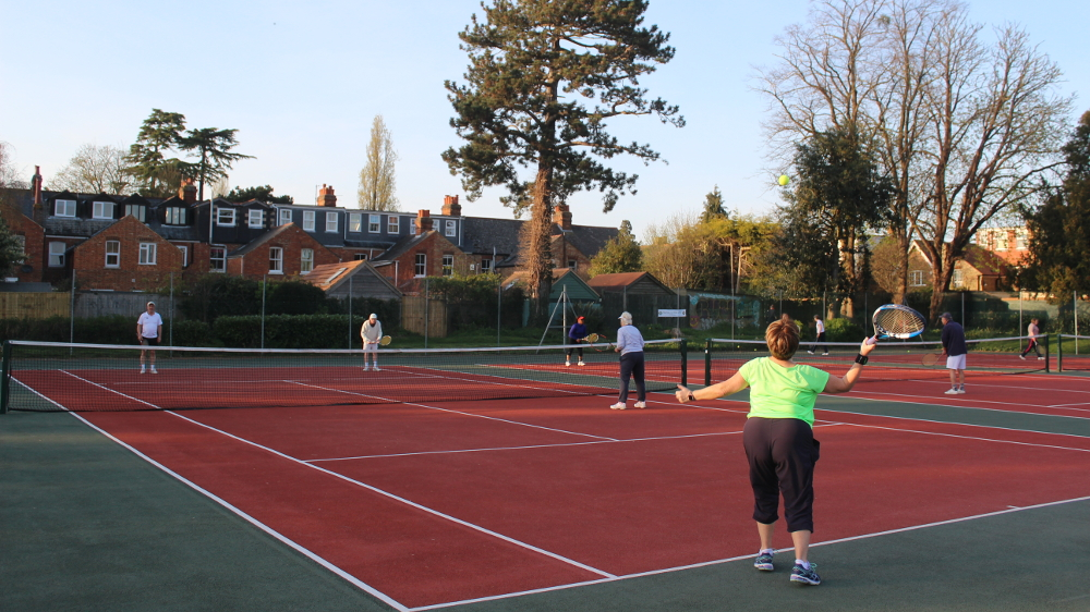 A refreshing afternoon of winter tennis at Norham Gardens